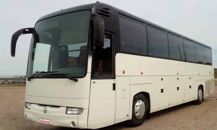 Автобус-рено-на-51-место